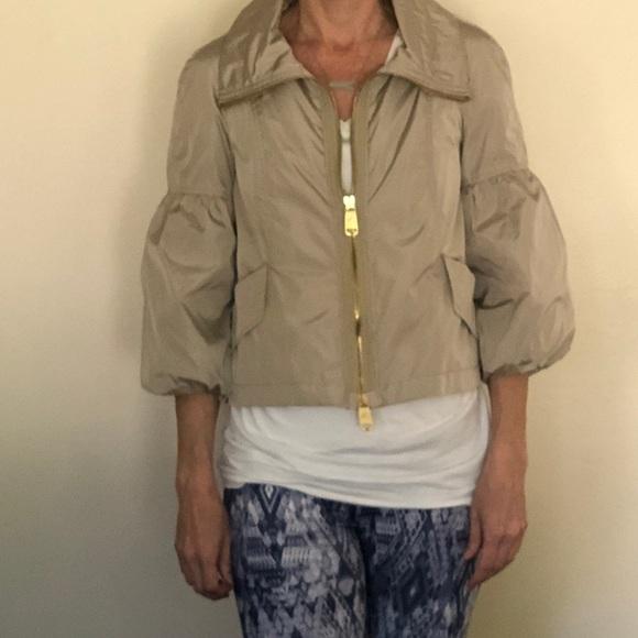 a760df32c6f Burberry Cropped Rain Jacket